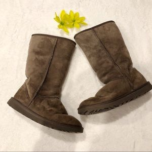 UGG | Tall Brown Classic Boots sz 7